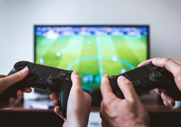Iznajmljivanje Sony Playstation 4 ( PS4 ) i Xbox 360 konzola sa Kinect senzorom Novi Sad